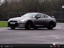 BMW M5 F10 vs Nissan GT-R 2012 : Chris Harris insiste