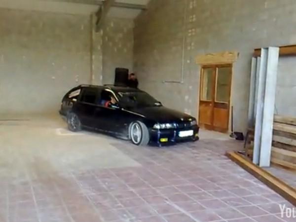 [Vidéo] Drift à la lituanienne, son petit garage lui suffit