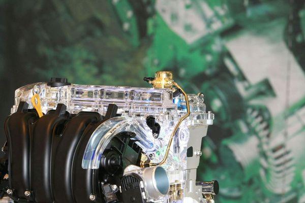 Hyundai présente son nouveau moteur Theta II GDI 2,4 Litres