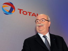 Le PDG de Total Christophe de Margerie meurt dans un accident d'avion