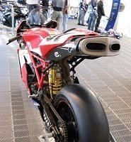 Superbike: Magny Cours D.1; Lanzi dégaine le plus vite