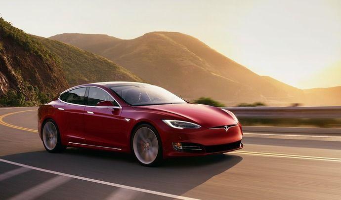 Tesla : 139200€ pour la plus puissante des autos du moment