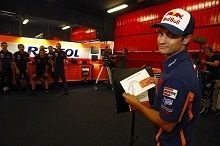 Moto GP - Vidéo : Dani Pedrosa s'amuse vraiment avec son équipe