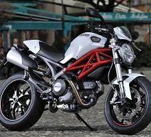 Ducati Monster 796: 87 ch, 167 kilos, avec ou sans ABS