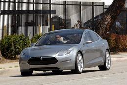 Plus de 1000 pré-commandes pour la Tesla S électrique