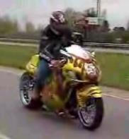Vidéo moto: la saucisse version Hayabusa Suzuki