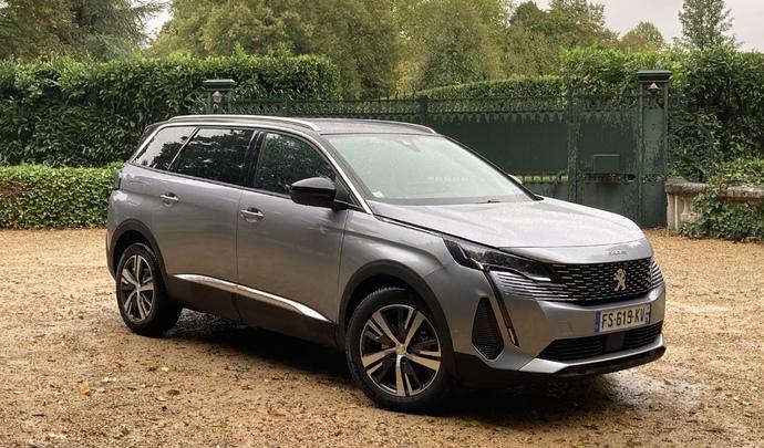 Peugeot 5008 restylé (2020) : les premières images de l'essai en live