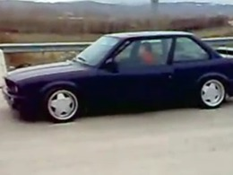 Une BMW qui pousse? Non ça c'est une BMW qui pousse !