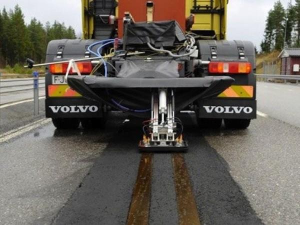 Volvo travaille sur la recharge par induction sur la route