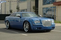 Chez West Coast Custom on aime la Chrysler 300 C !!!