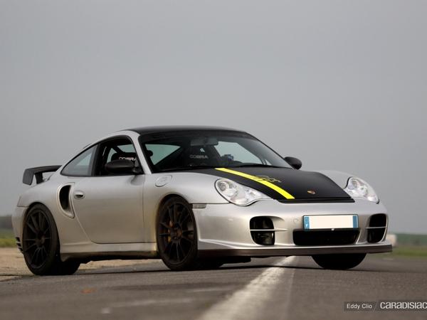 Photos du jour : Porsche 911 996 GT2 by 9FF