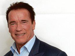 Arnold Schwarzenegger défend les propriétaires de grosses cylindrées