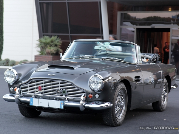 Photos du jour : Aston Martin DB4 Volante (10000 Tours)