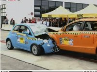 Crash-Test : Audi Q7 vs Fiat 500