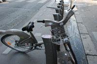 Le Vélib' toujours adulé… et encore vandalisé