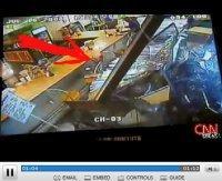 Vidéo : Dieu existe ... il était au bar.