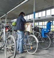 Parc à vélos sécurisé et transports en commun font bon ménage
