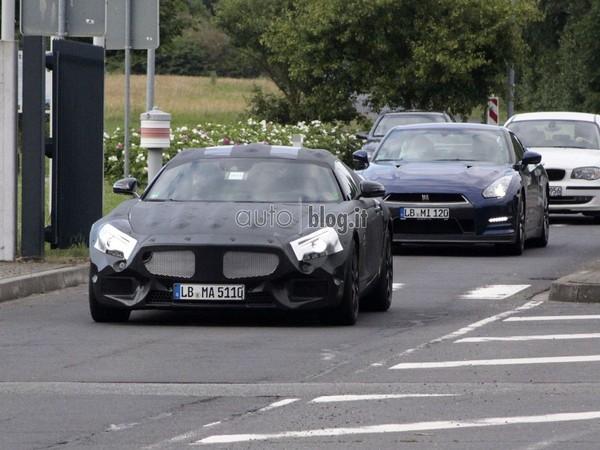 Futur Mercedes Sprinter 2018 >> Surprise : le futur Mercedes SLC en test avec la Nissan GT-R