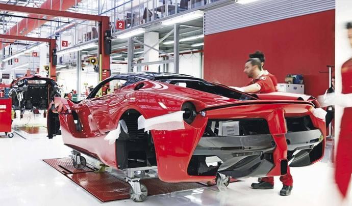 Ferrari LaFerrari : il en reste encore une à vendre pour la bonne cause