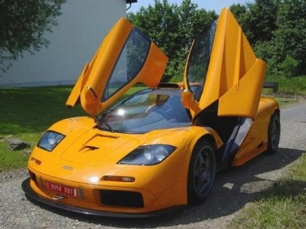 a vendre une mclaren f1 gtr orange. Black Bedroom Furniture Sets. Home Design Ideas