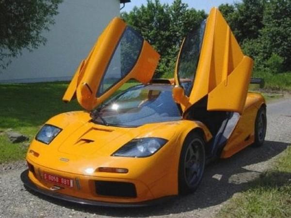 A vendre : une McLaren F1 GTR orange