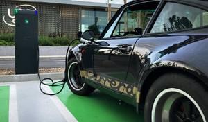 Rétrofit: une anciennePorsche 911 à moteur de Tesla