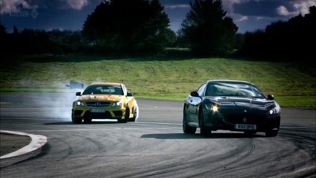 S Top Gear Mercedes C Amg Coupe Black Series Vs Maserati Granturismo Mc Stradale Joggings De Luxe
