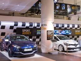 Renault affiche sa sportivité dans son Atelier des Champs-Elysées