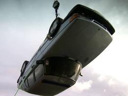 Top Gear rend hommage à Saab... en détruisant une 900
