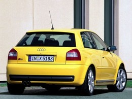 La p'tite sportive du lundi: Audi S3.