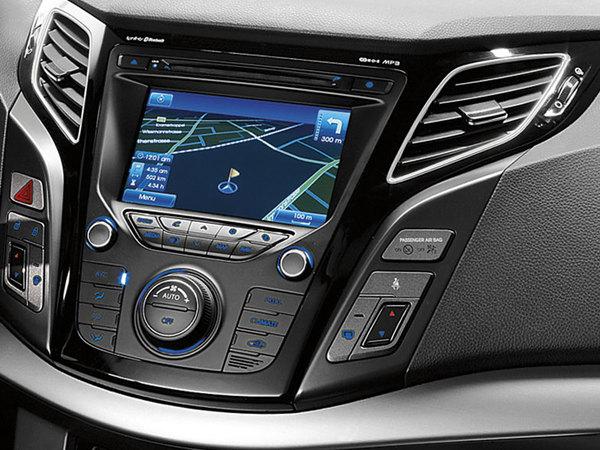 Genève 2011 : la Hyundai i40 montre son intérieur