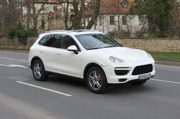 Futur Porsche Cayenne : quasiment nu