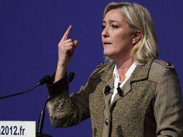 """Marine Le Pen promet """"une sécurité routière moins punitive"""""""