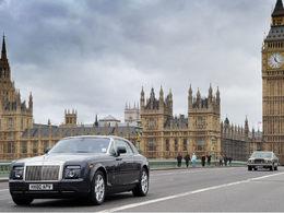 100 Rolls-Royce dans Londres pour célébrer les 100 ans du Spirit of Ecstasy