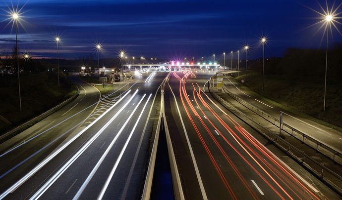 Boîtes noires et limiteur de vitesse bientôt obligatoires dans les voitures neuves?