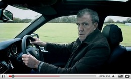 Réveil Auto - Top Gear : course de bus, X5M vs Q7 V12 TDI et une pauvre Twingo RS...