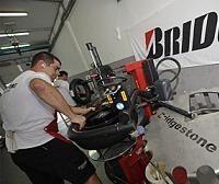 Moto GP - Allemagne: Bridgestone la jouera asymètrique