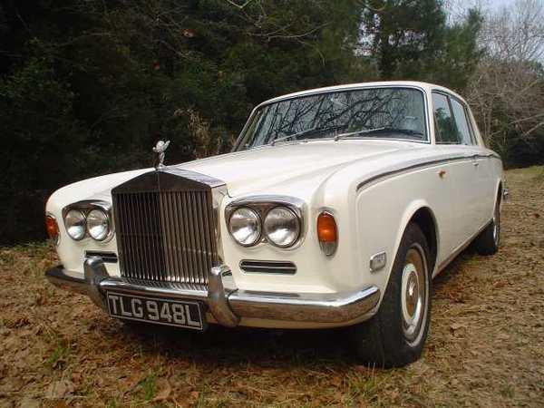 Question du jour n°75 : la Rolls Royce Silver Shadow de 1965 avait un petit côté franchouillard. Lequel ?