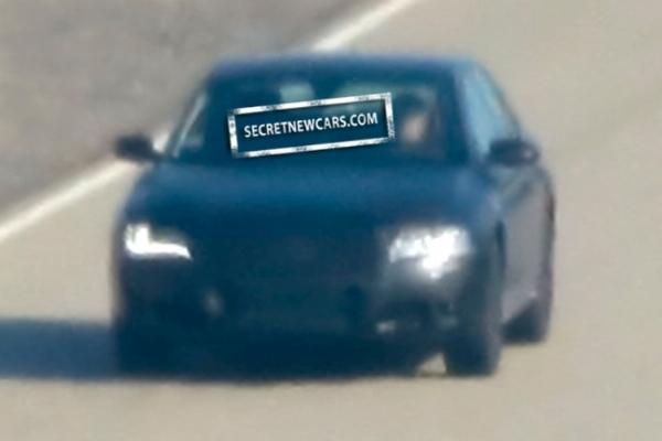 Spyshot : la future Audi S8, de très loin
