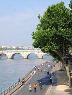 """L'opération """"Paris Respire"""" : la chasse à la voiture dans la capitale"""