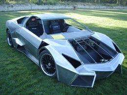 Pontiac Reventon en approche. A moins que ce soit une Lamborghini Fiero ...
