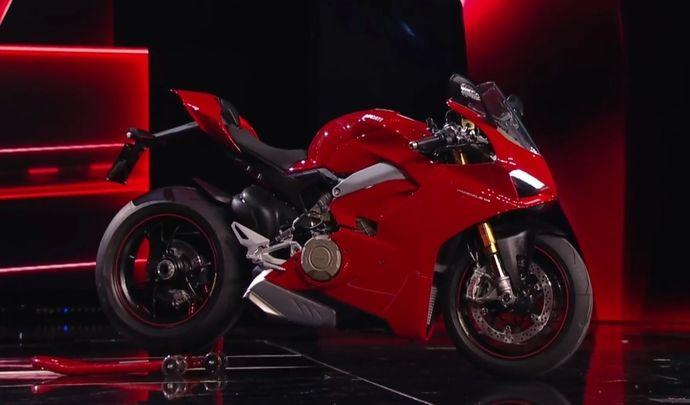 Salon de Milan 2017 en direct: la Ducati Panigale V4 voit triple!