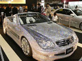 Mercedes SL en diamant : gare aux yeux !