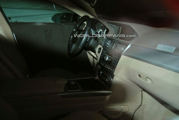 Spyshot : à l'intérieur de la prochaine Mercedes CLS