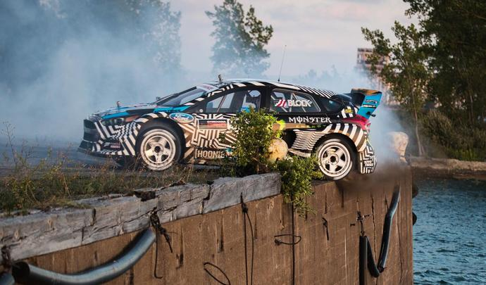 gymkhana 9 ken block est de retour en ford focus rs. Black Bedroom Furniture Sets. Home Design Ideas