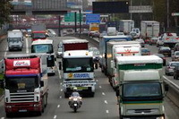 Les routiers bloqueront-ils des entrepôts pour Noël ?