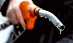 Prix des carburants: une forte hausse des taxes se prépare