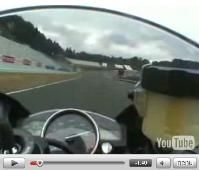 Vidéo moto : Yamaha R6 version 2008 sur le circuit de Sugo