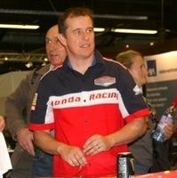 Salon Moto Légende 2013: interview de John McGuinness, multiple vainqueur du Tourist Trophy.
