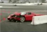La vidéo du jour : le crash le plus ridicule d'une Ferrari Enzo !